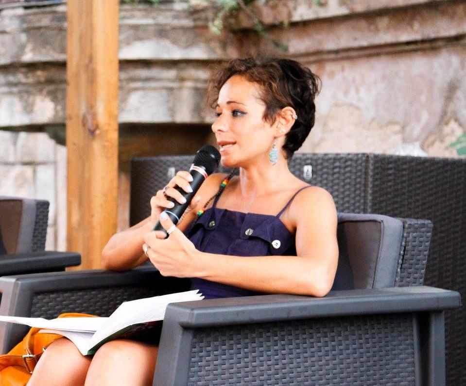 """l razzismo non è un punto di vista, ma un crimine"""", intervista all'autrice"""